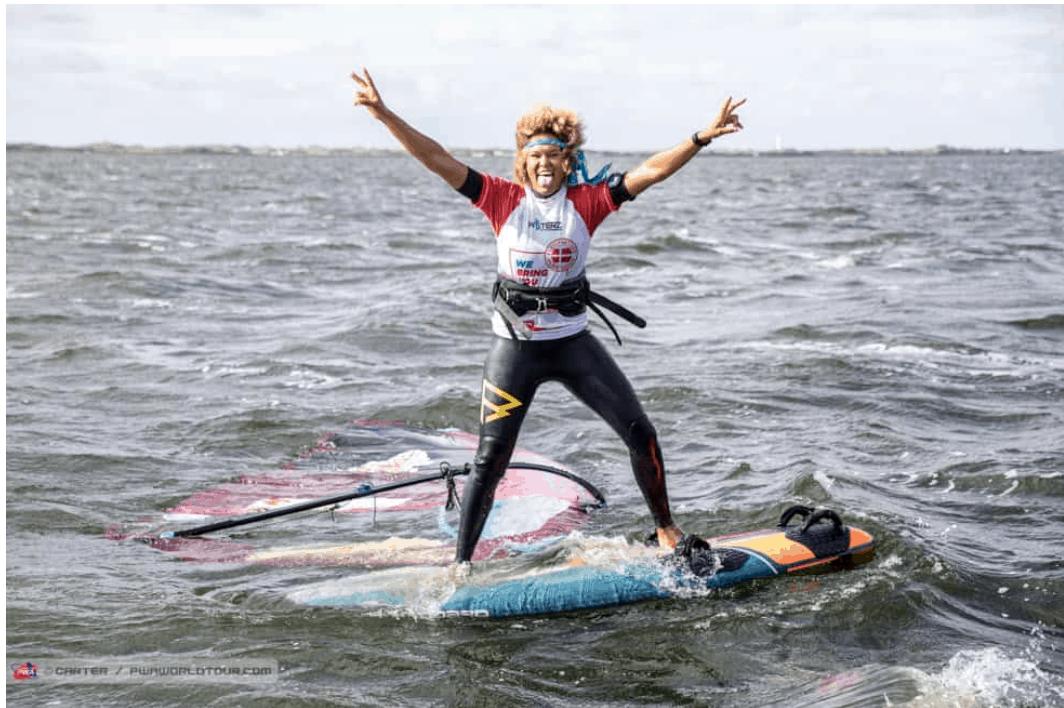 16 X Sarah-Quita + Starboard-14   Windsurf
